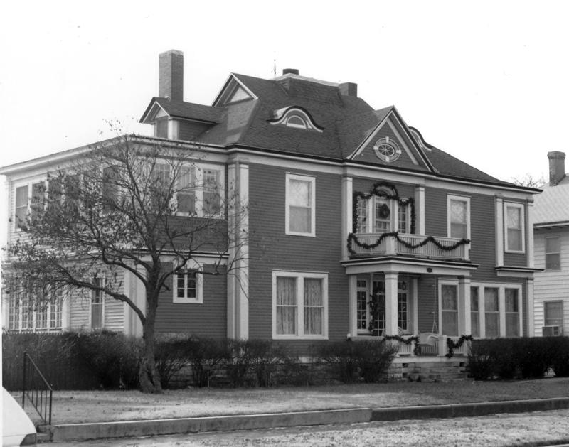 507-511 E. Sherman, Hutchinson, Kansas