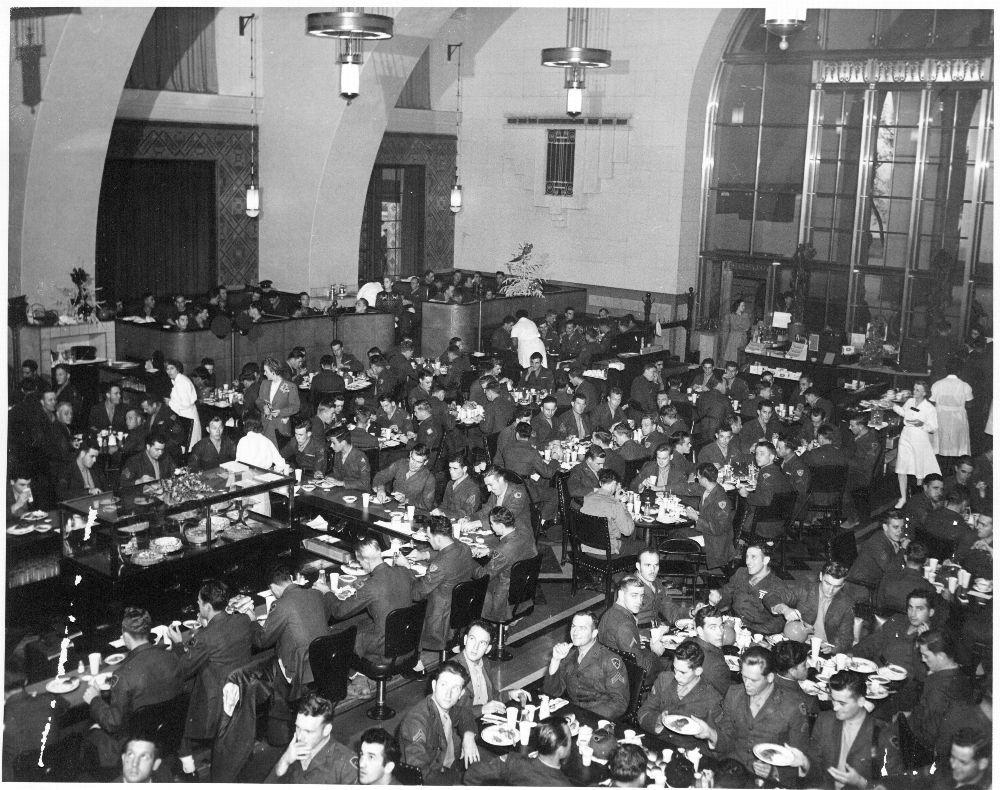 Atchison, Topeka & Santa Fe Railway Company's Fred Harvey dining room, Los Angeles, CA