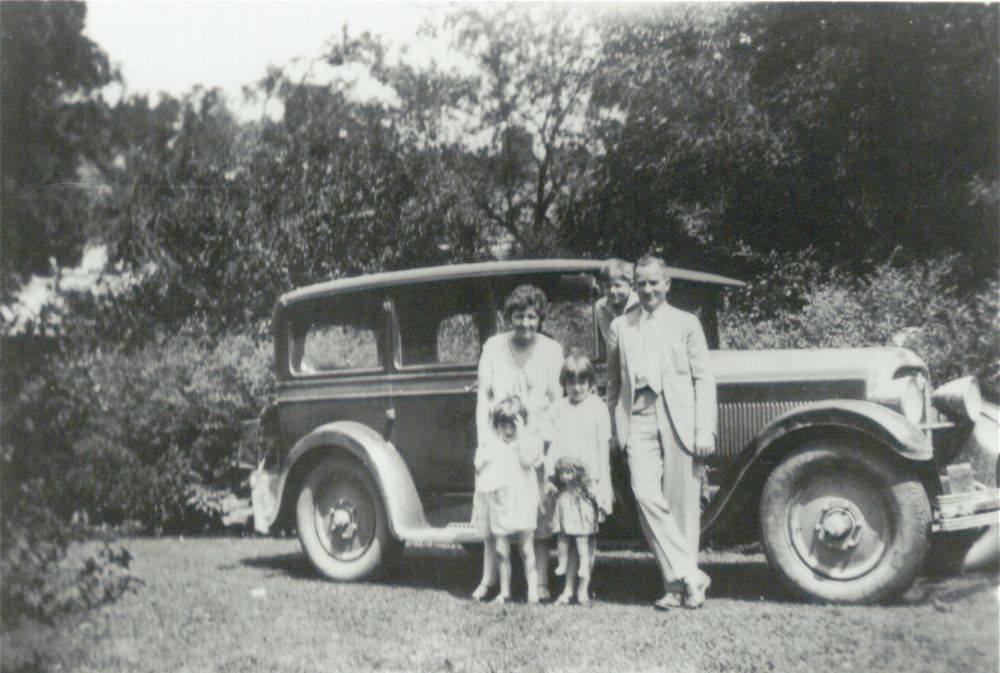 Harry Walter Colmery with his wife Minerva and children