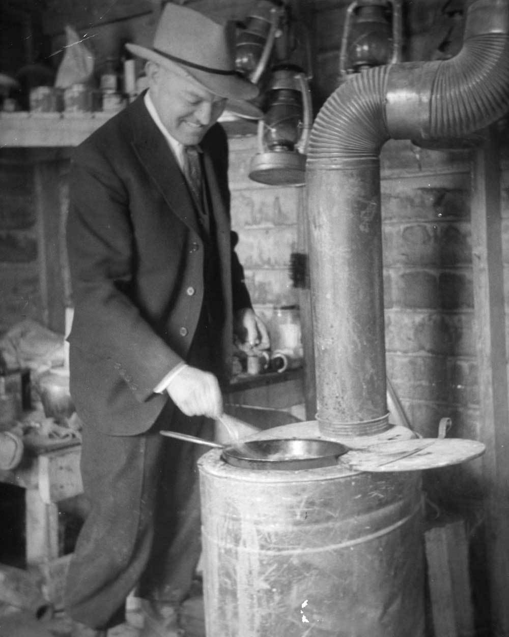 Harry Hines Woodring