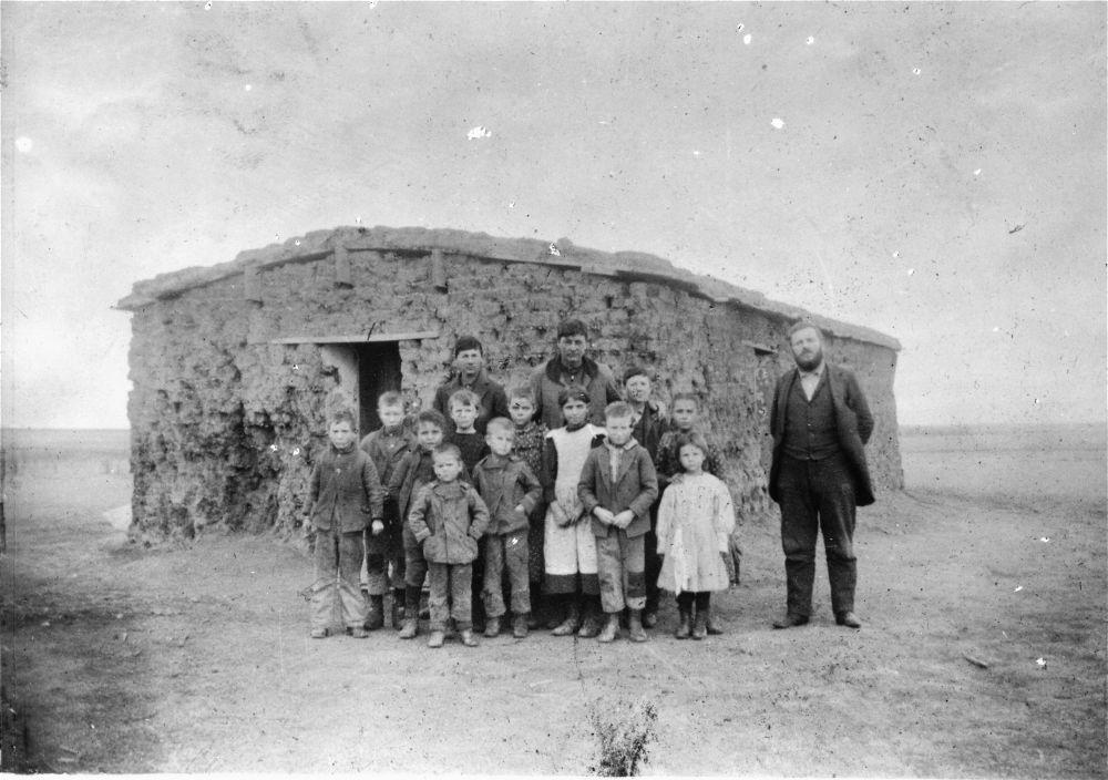 Sod schoolhouse, Sheridan County, Kansas