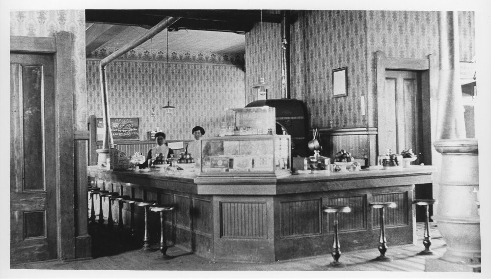 Atchison, Topeka & Santa Fe Railway Company's Fred Harvey lunchroom, Deming, New Mexico