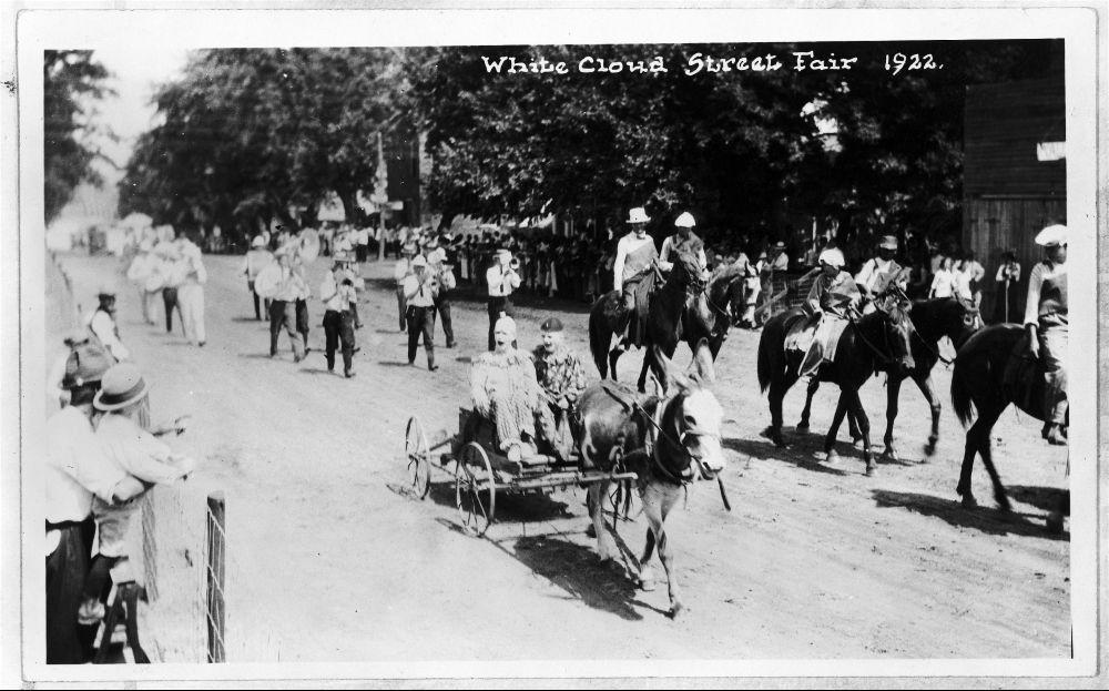 White Cloud Street Fair parade