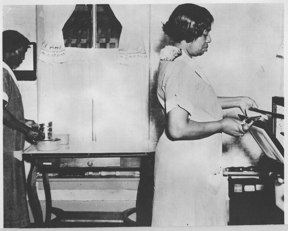 Housekeeping aides, Topeka, Kansas