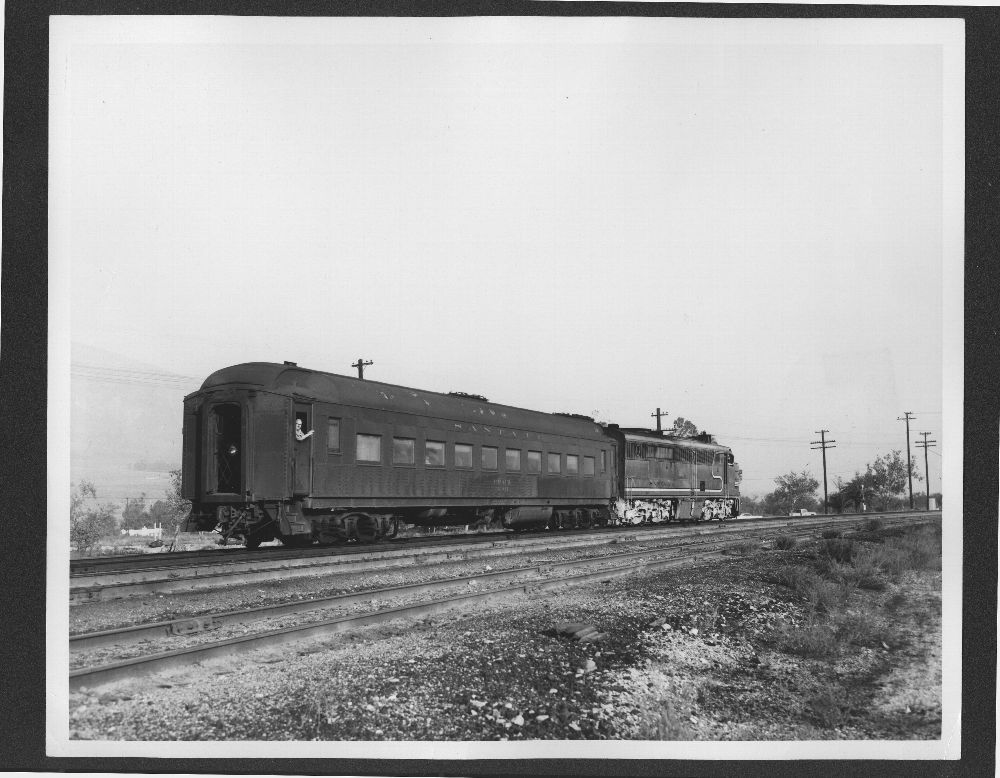 Atchison, Topeka & Santa Fe Railway's train No 7, Devore, California