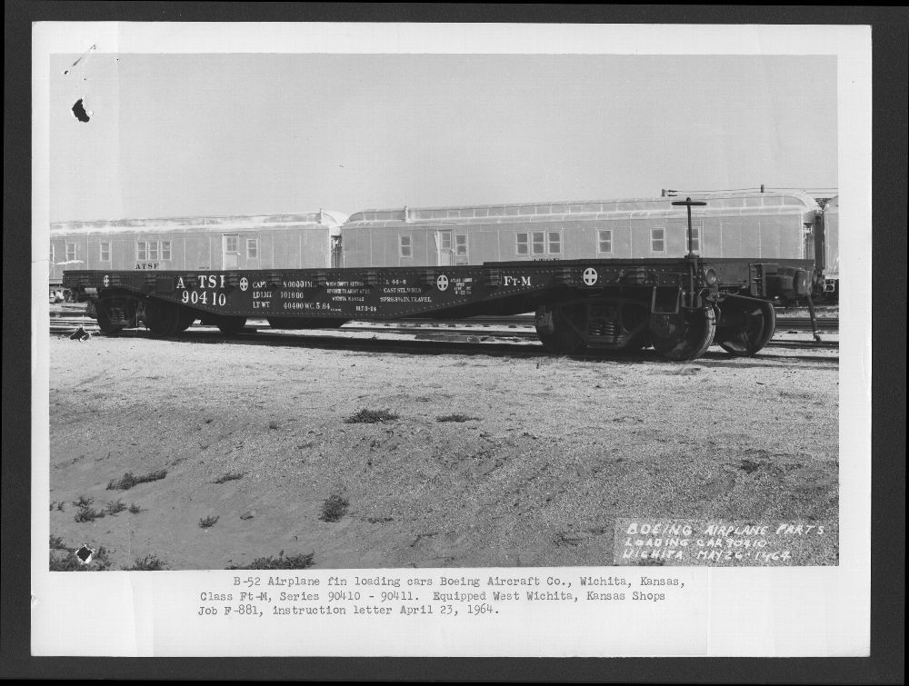 Atchison, Topeka and Santa Fe Railway Company's Ft-M flat car  Boeing Aircraft Company