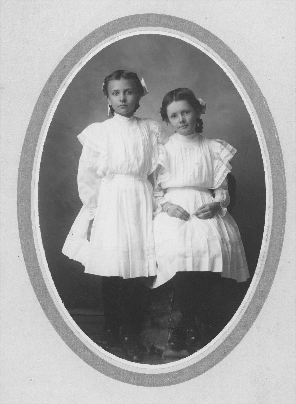 Bernice Howe and Helen Howe