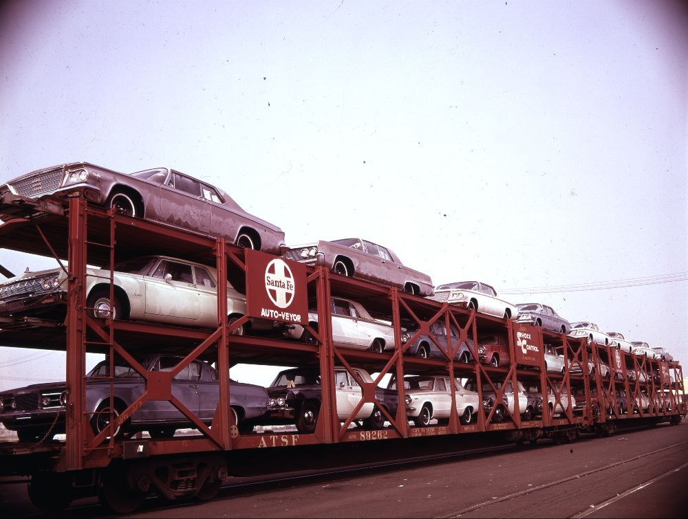 Atchison, Topeka & Santa Fe Railway Company  tri-level autoveyors
