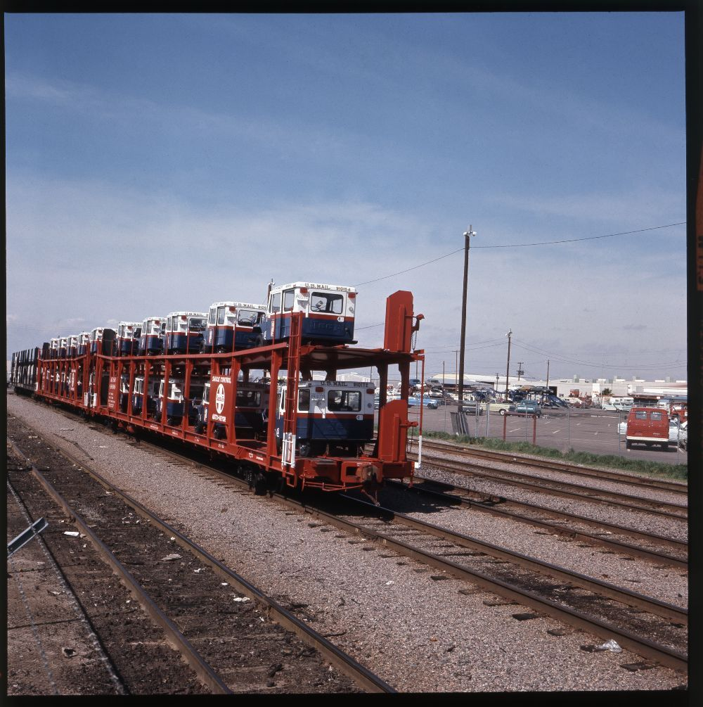 Atchison, Topeka & Santa Fe Railway Company bi-level auto cars, Phoenix, Arizona