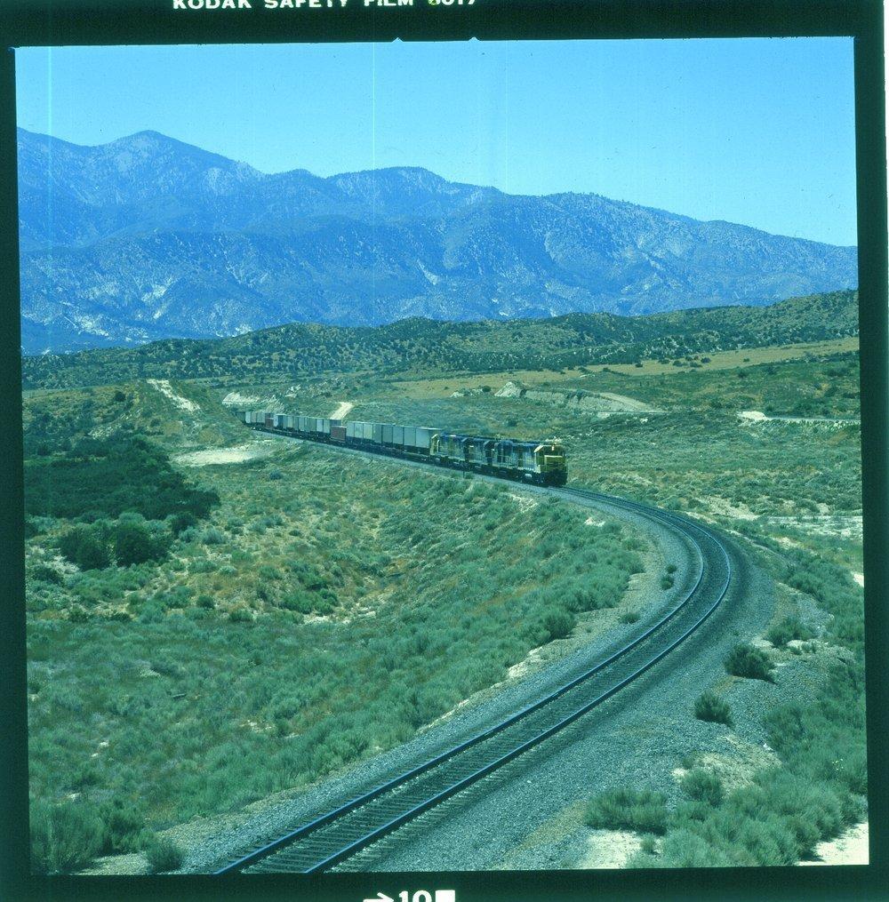 Atchison, Topeka & Santa Fe Railway Company freight train, Cajon Pass