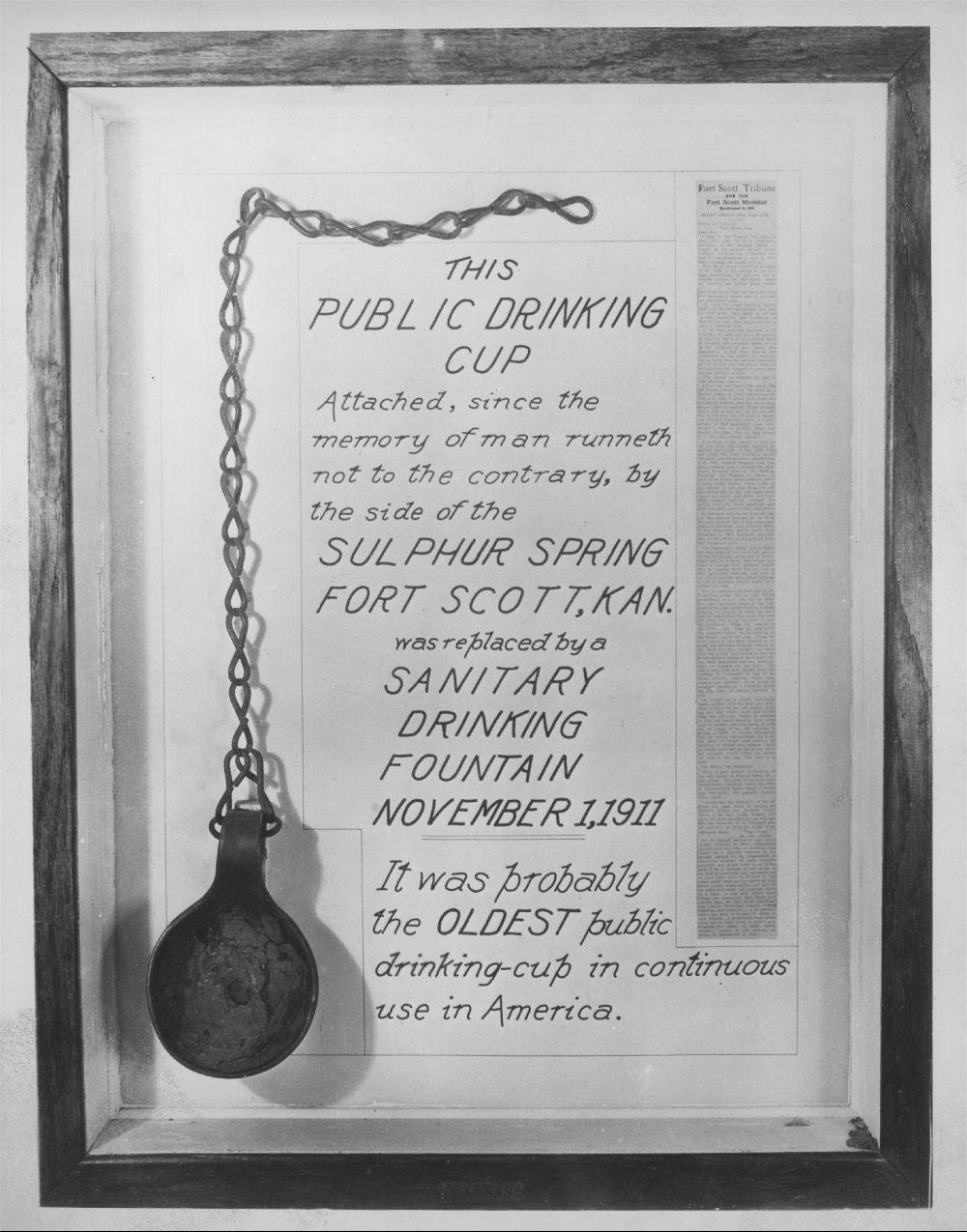 Public drinking cup display