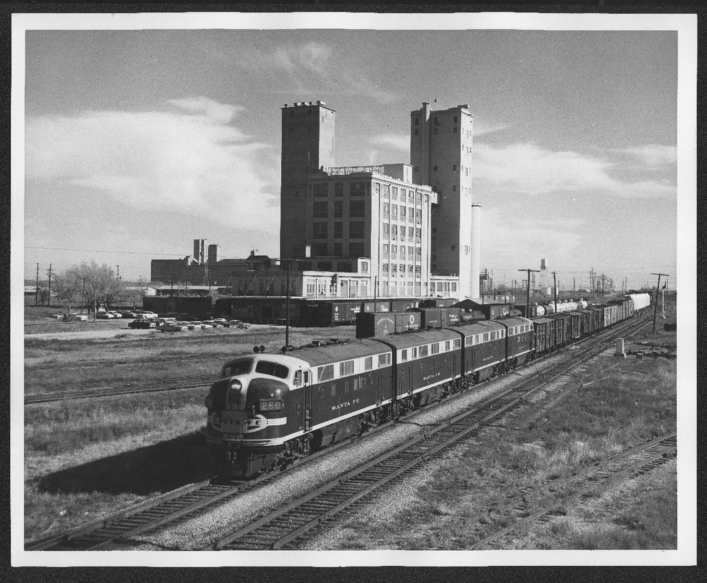 Atchison, Topeka, and Santa Fe Railway Company's diesel engines