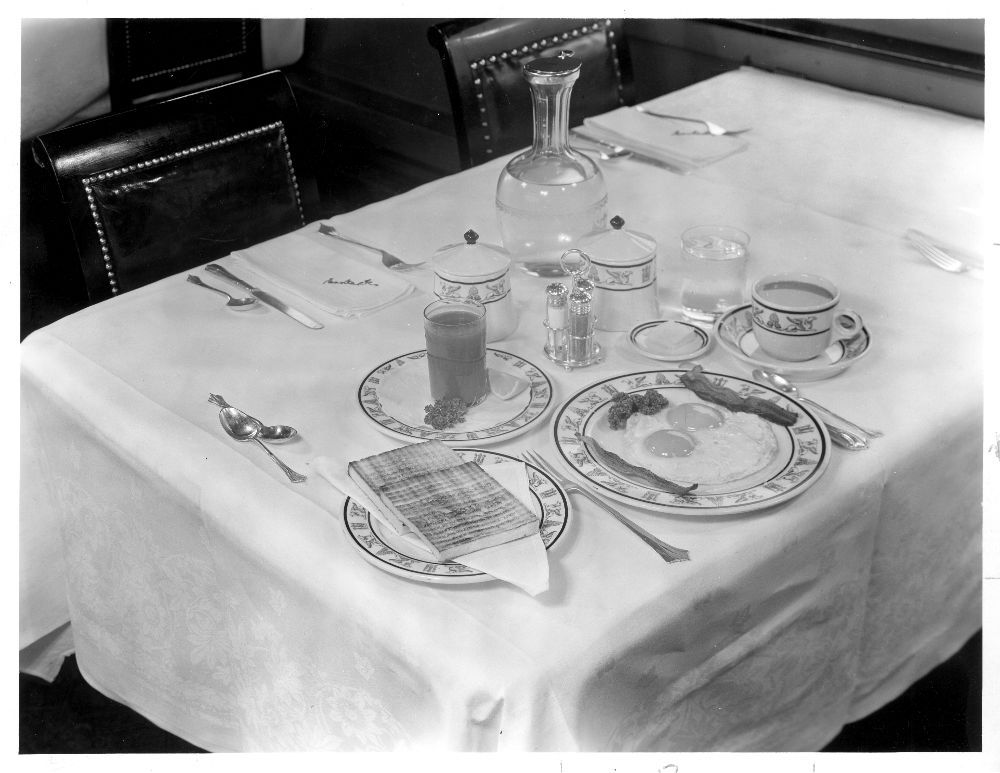 Atchison, Topeka & Santa Fe Railway's Scout dining car