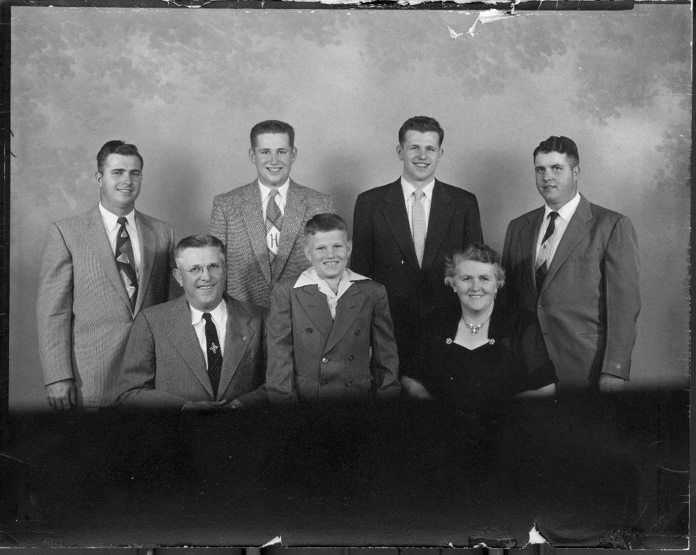 Elton Raymond and Nora Helen Allen with their children