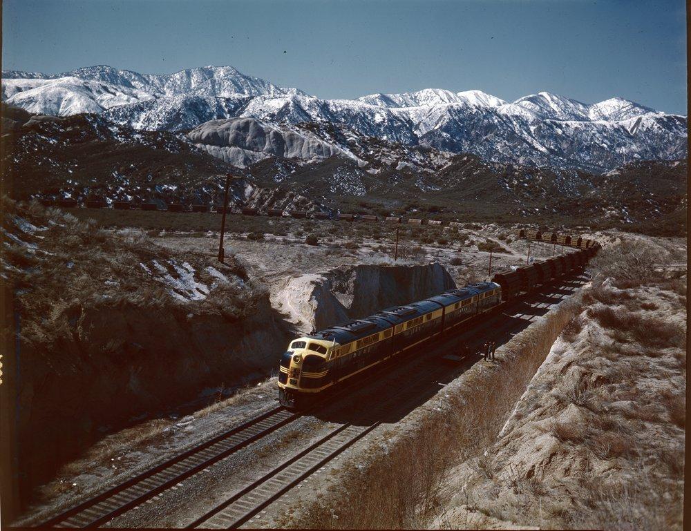Atchison, Topeka and Santa Fe Railway Company freight train, Alray, California