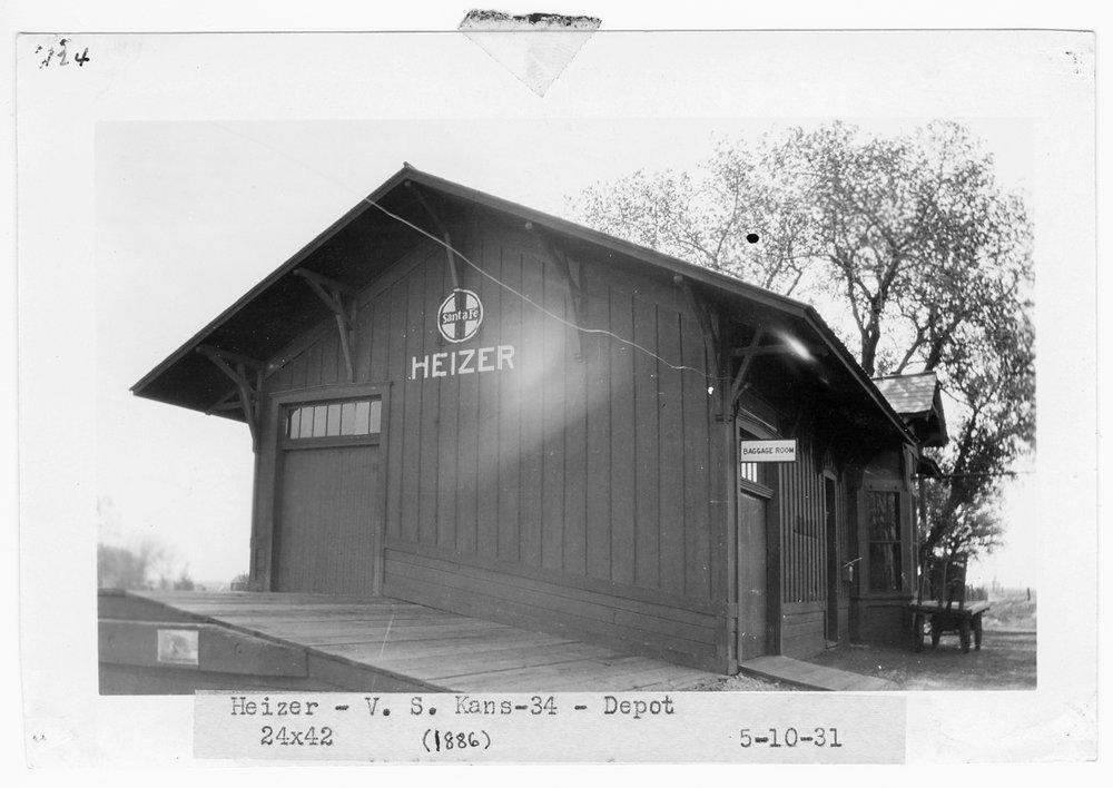 Atchison, Topeka & Santa Fe Railway Company depot, Heizer, Kansas