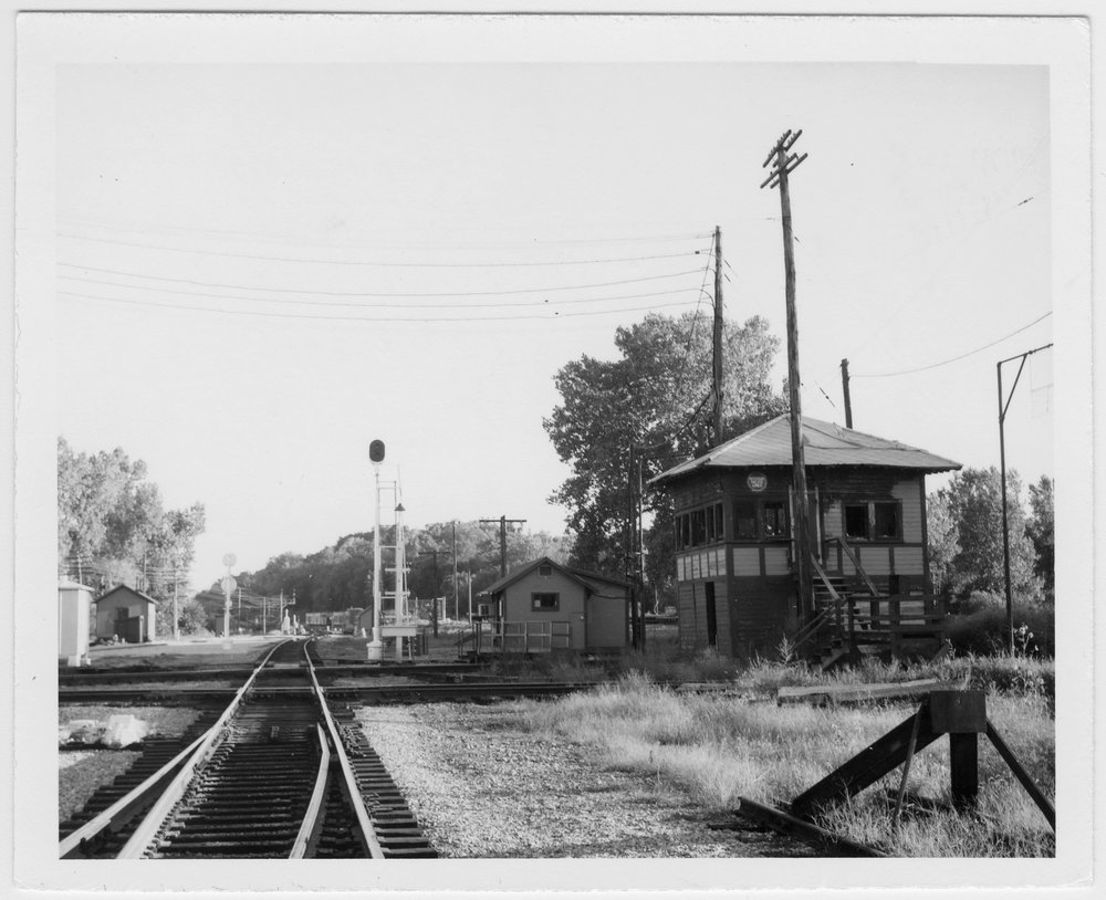 Missouri Pacific, Chicago & Great Western and Chicago Burlington & Quincy interlocking tower BB, Leavenworth, Kansas