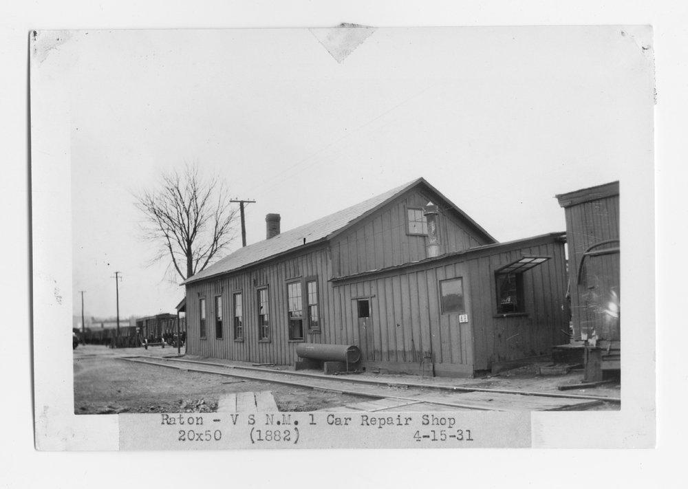 Atchison, Topeka and Santa Fe Railway Company car repair shop, Raton, New Mexico