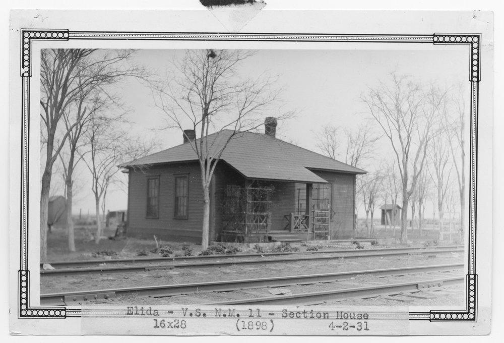 Atchision, Topeka & Santa Fe Railway Company section house, Elida, New Mexico