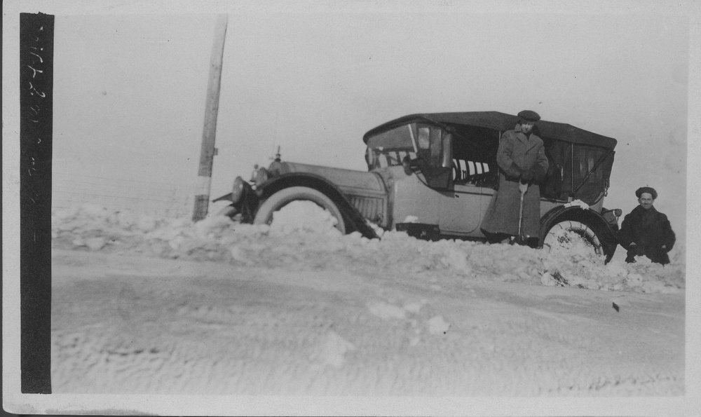 Automobile in Snow - 1