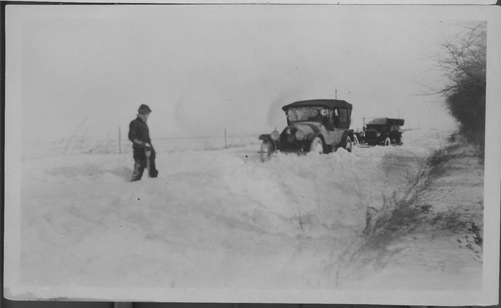 Automobile in Snow - 3