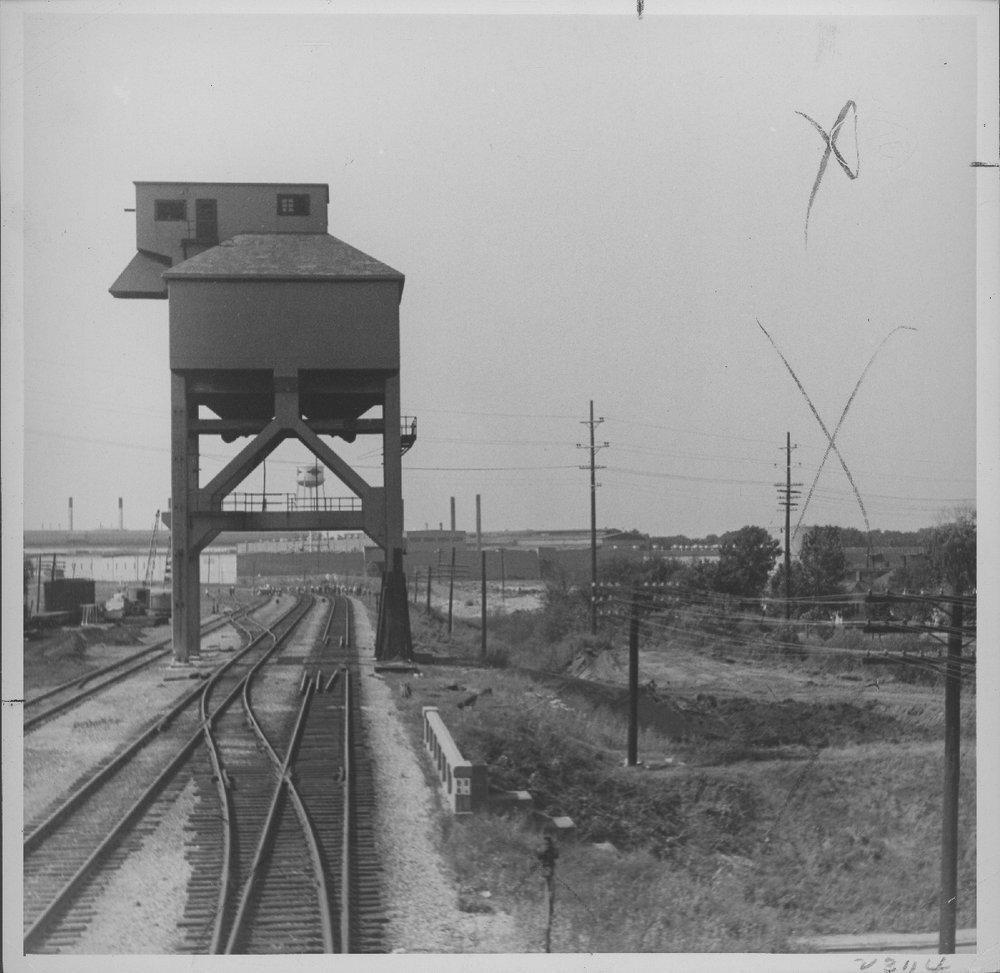 Atchison, Topeka & Santa Fe Railway Company coal chute, Baring, Missouri - 1
