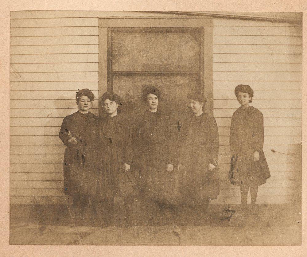 Women wearing bloomers, Cimarron, Kansas