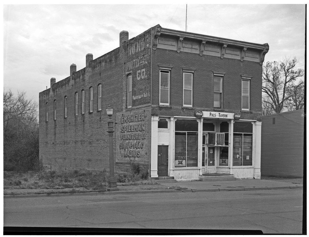 Pal's Tavern, Topeka, Kansas