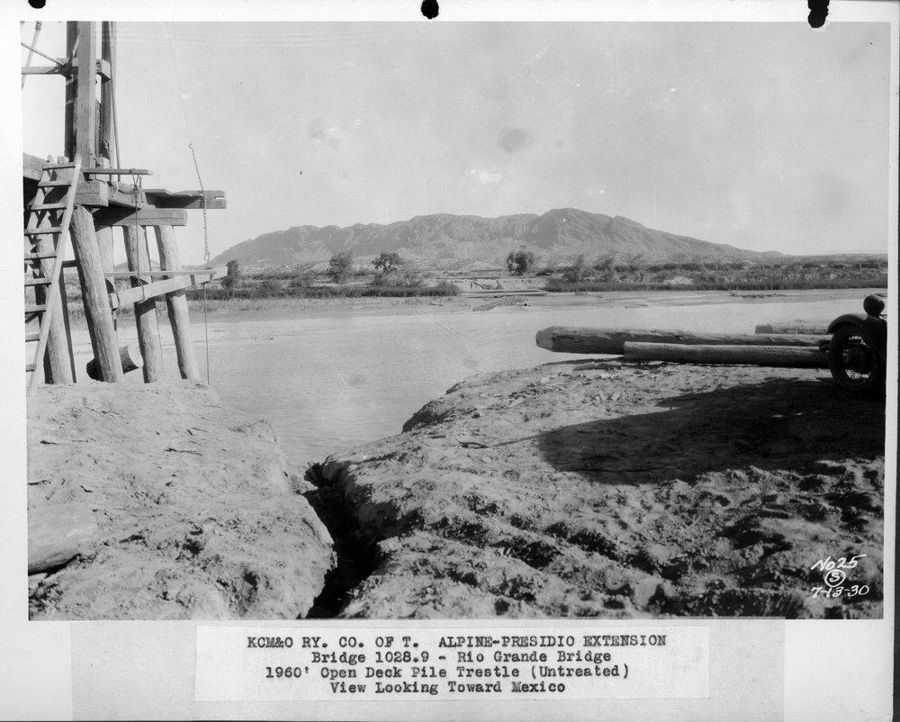 Kansas City, Mexico, & Orient Railway's bridge at the Rio Grande