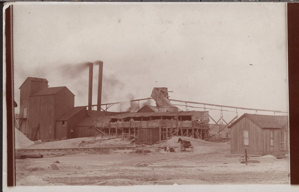 Mining scenes, Galena, Kansas - Photograph of James Murphy's crusher, built in 1878, Galena, Kansas.  Image *2