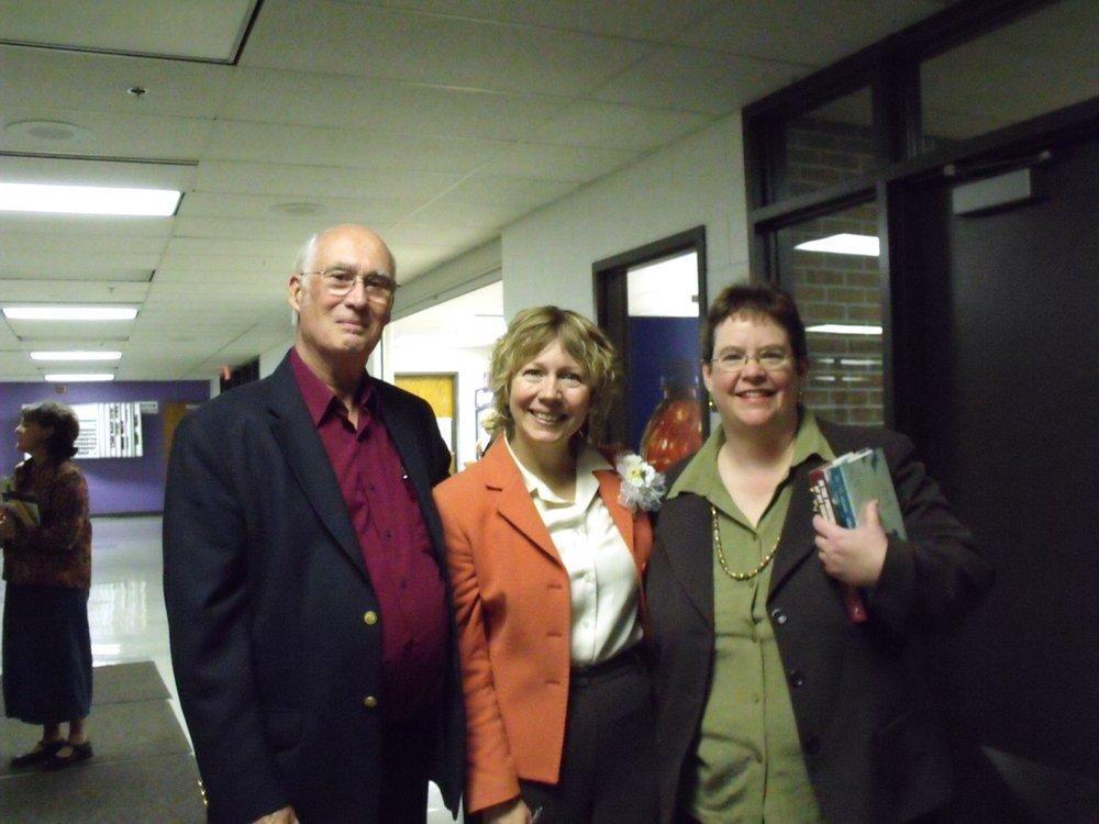 Gracia Burnham - Gracia Burnham with Donald Charles Figgins and Mary Beth Dunhaupt Figgins.