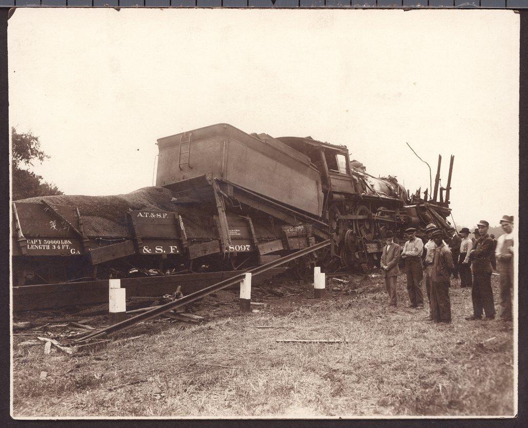 Atchison, Topeka and Santa Fe Railway wreck, Topeka, Kansas - 2