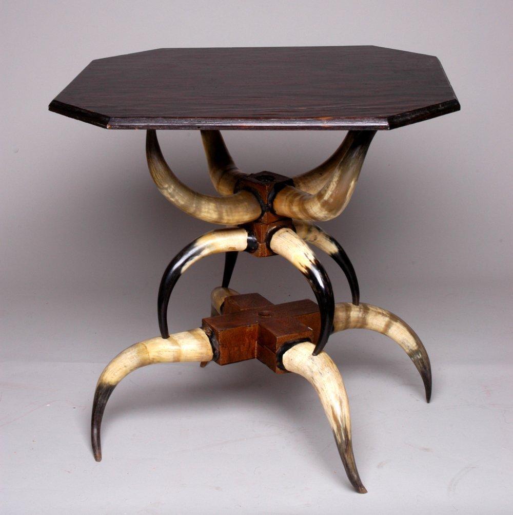 Horn table - 2
