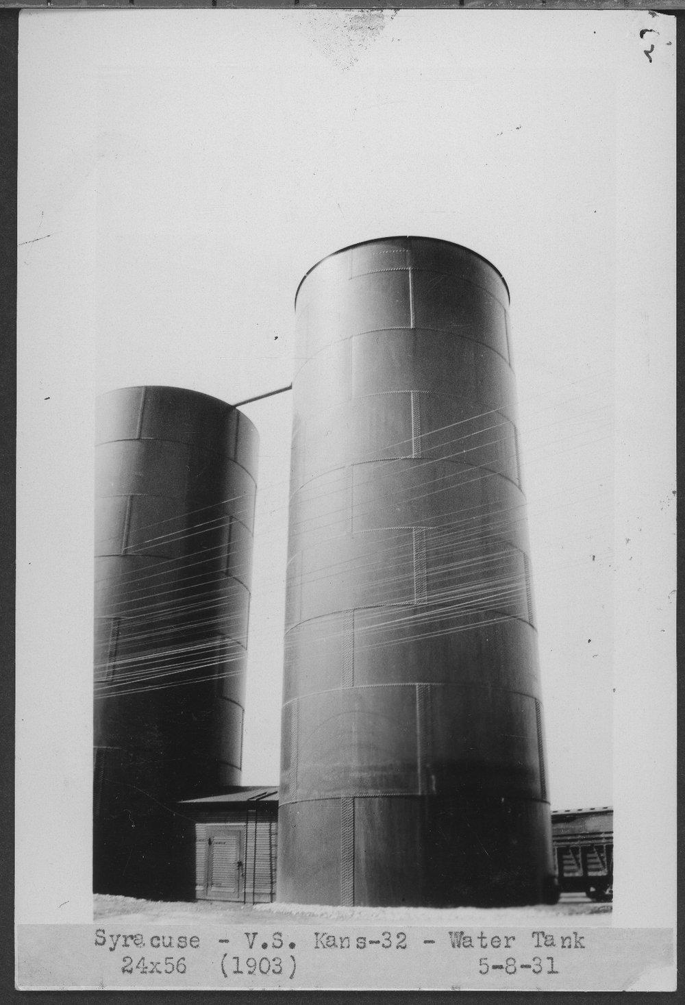 Atchison, Topeka & Santa Fe Railway Company water tank, Syracuse, Kansas