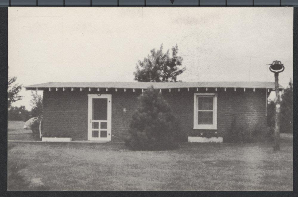 Sod house, Kinsley, Kansas