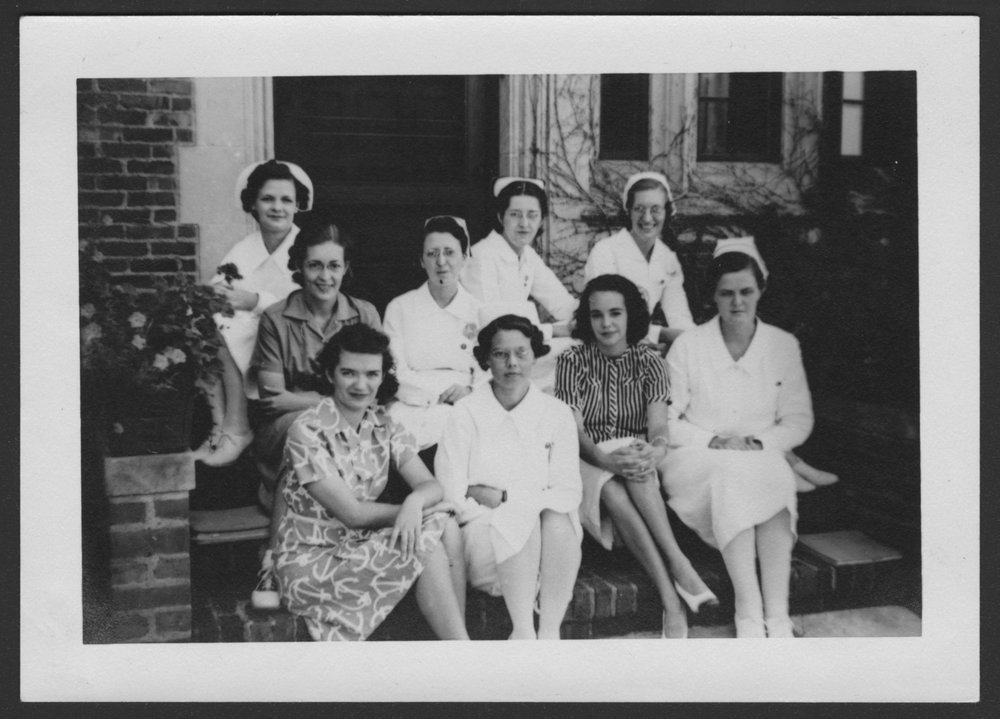 Menninger Clinc Sanitarium staff, Southard School - The September 1939 graduates : Misses Harsh, Ford, Overhue, Meckel, Clark, Band, Hamilton, Ralston and Strube.