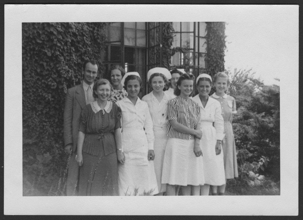 Menninger Clinc Sanitarium staff, Southard School - The March 1940 graduating class: Mr. Evans, and the Misses Breckenridge, Powers,  Kubeez, Edmundson, Valentine, Erickson, Snyder, and Reed.