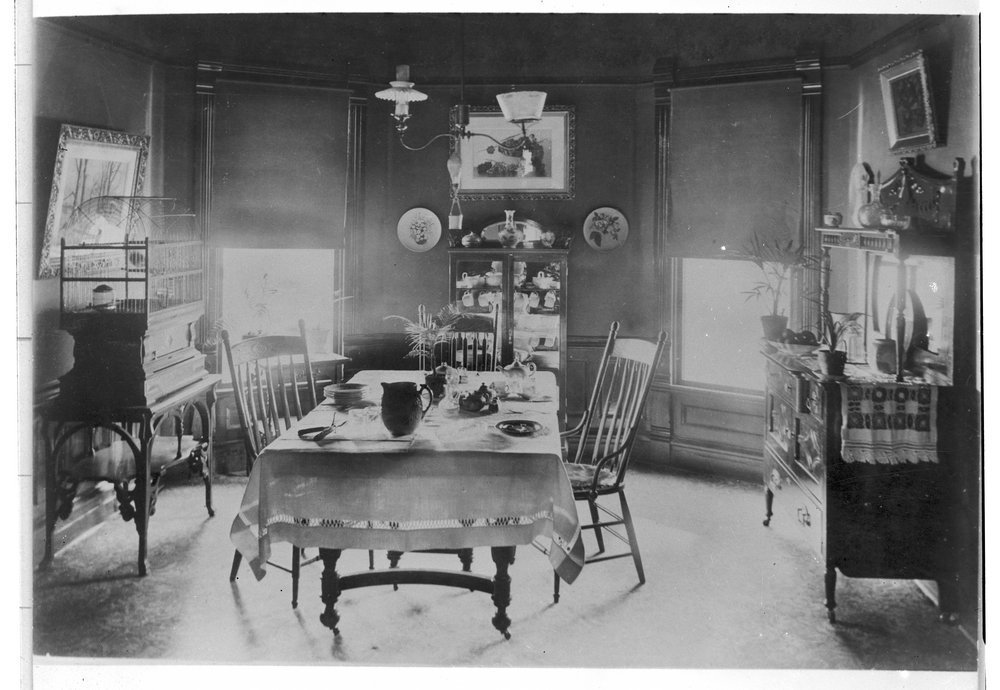 Charles F. Menninger homes in Topeka, Kansas - Dining room of the C. F. Menninger family home at 425 Greenwood, 1895