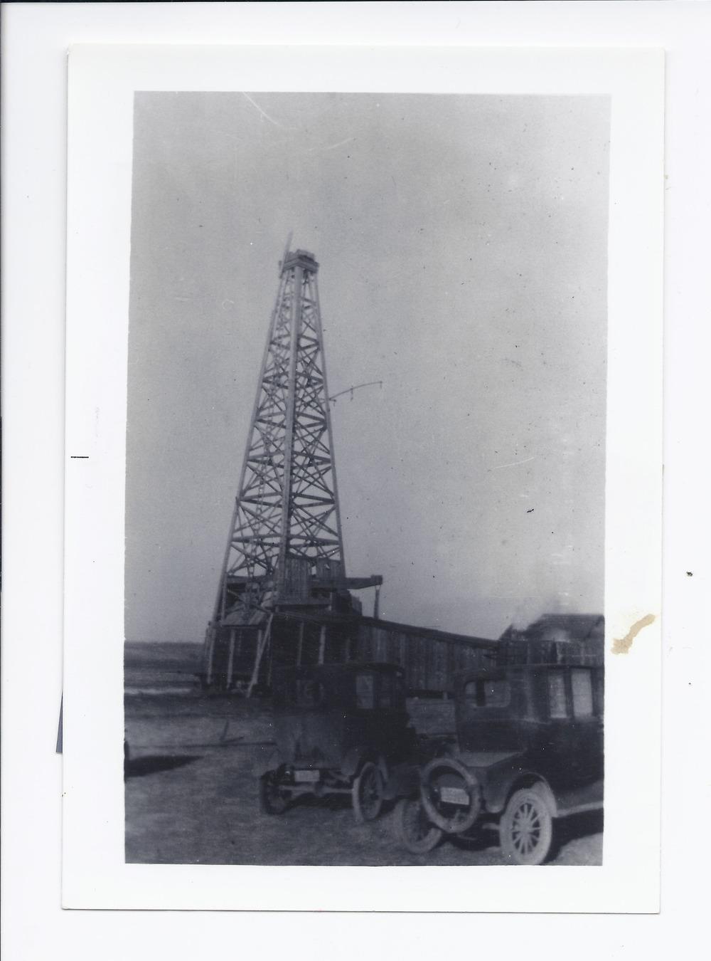 Oil well, Rossville, Kansas