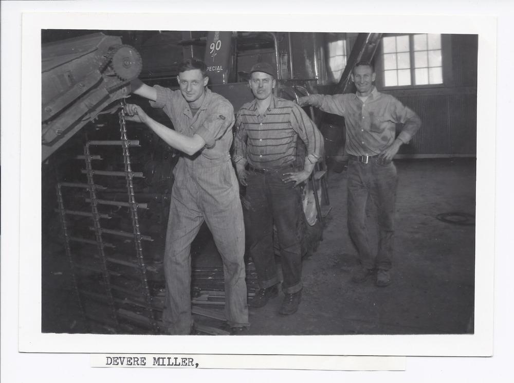 Workers, Rossville, Kansas - 1