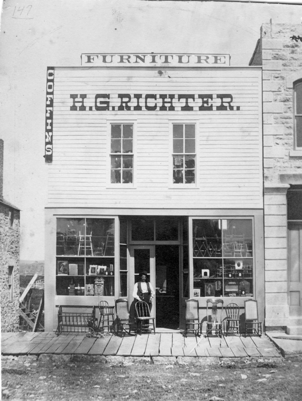Charmant H. G. Richter Furniture Store, Alma, Kansas