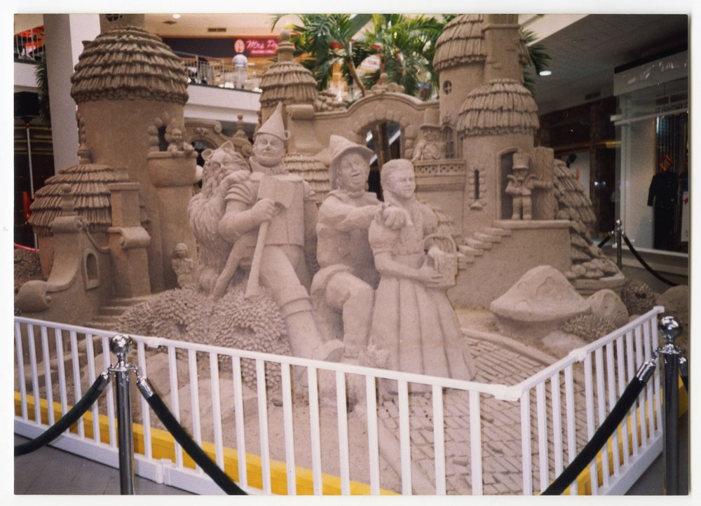Wizard of Oz sand sculptures in Topeka, Kansas