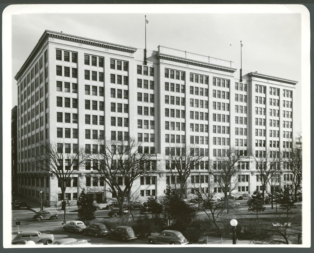 Atchison, Topeka & Santa Fe Railway Company Offices, Topeka, Kansas - 1