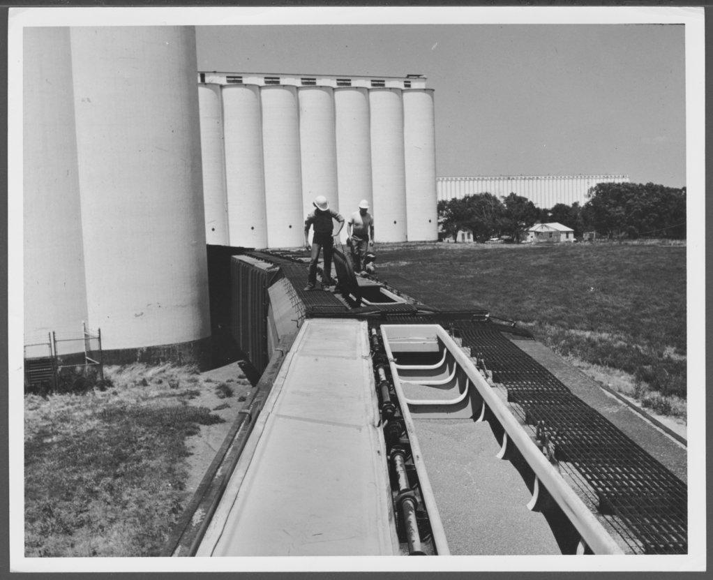 Atchison, Topeka & Santa Fe Railway Company hopper cars