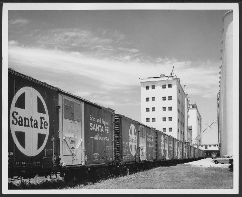 Atchison, Topeka & Santa Fe Railway Company box cars - 1