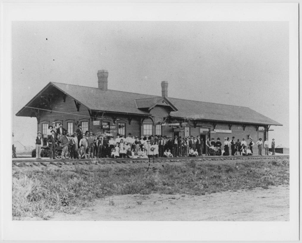 Atchison, Topeka & Santa Fe Railway Company depot, Ponca City, Oklahoma - 1