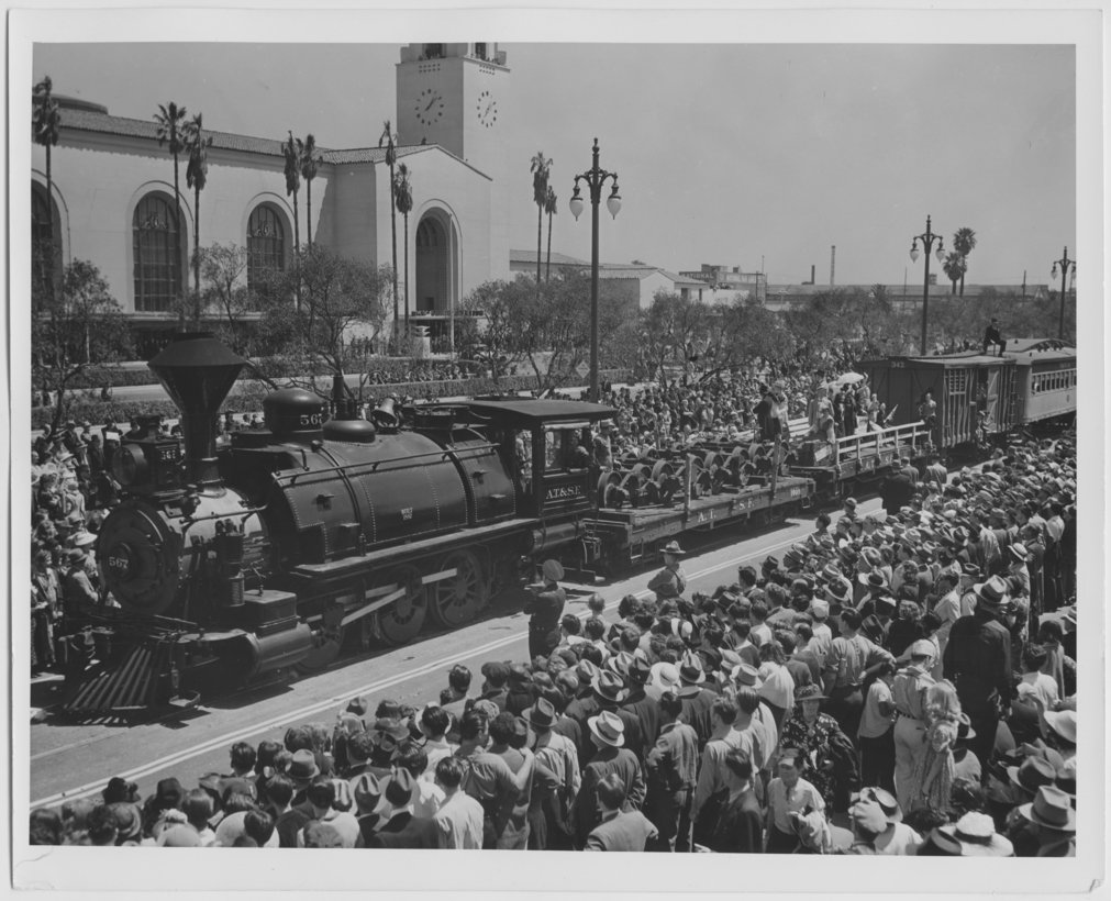 Atchison, Topeka, & Santa Fe Railway Company depot, Los Angeles, California - 1