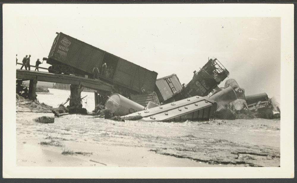 Cimarron River flood and train wreck in Seward County, Kansas - 3
