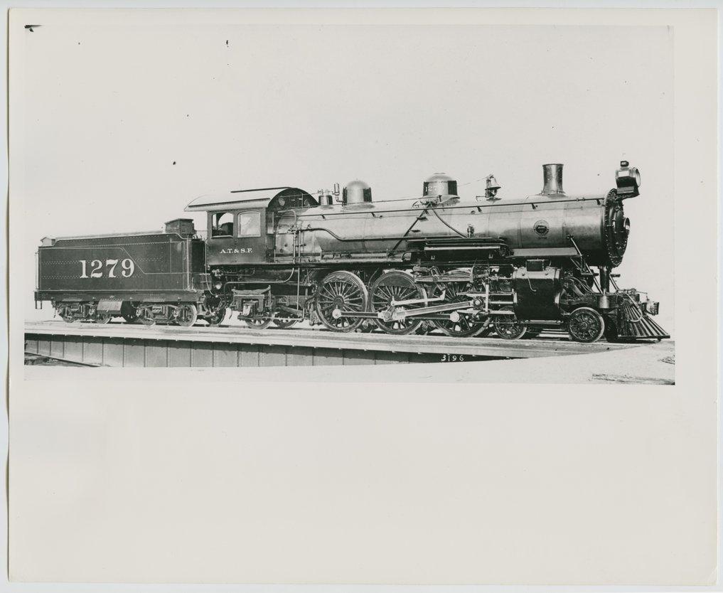 Atchison, Topeka & Santa Fe Railway Company's steam locomotive #1279 - 1