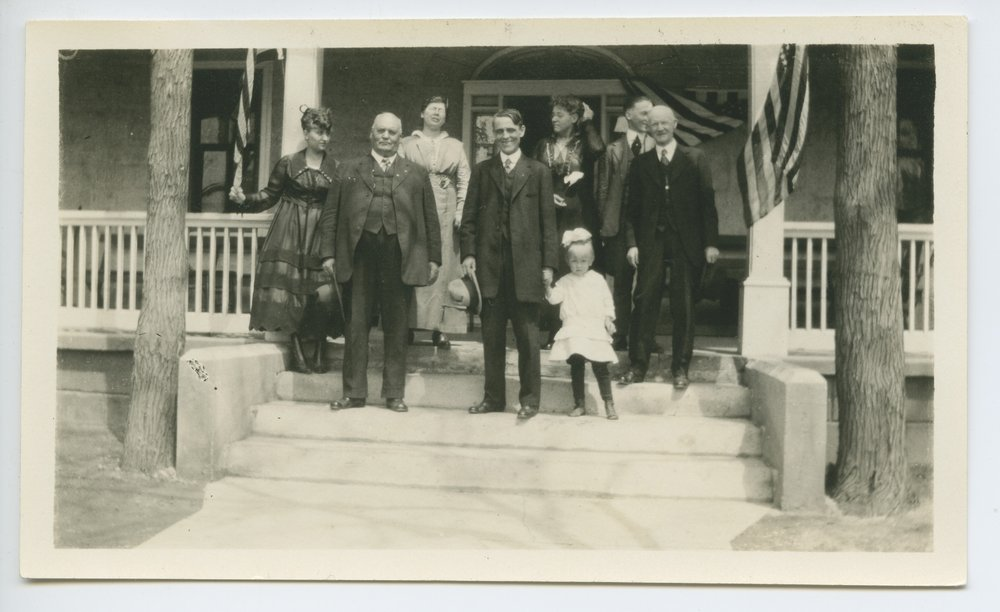 Governor Arthur Capper visiting the Kansas State Soldiers Home, Dodge City, Kansas - 1
